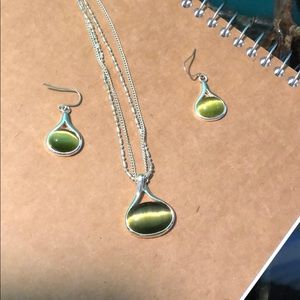 Green ombré earrings and necklace set